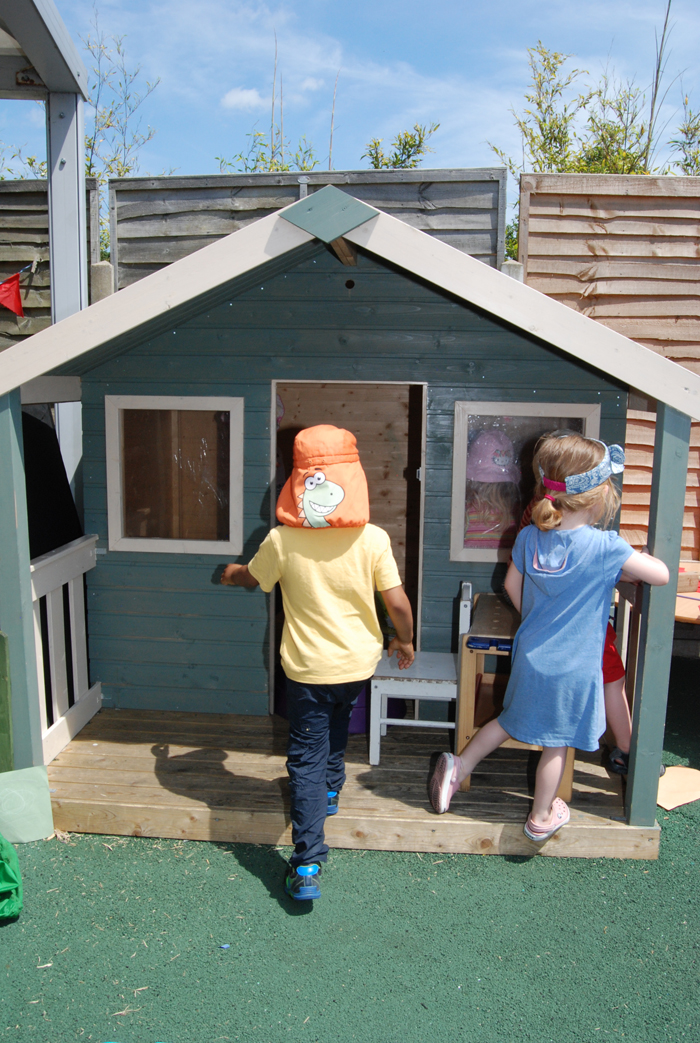 child wendy house